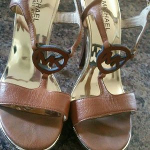 Michael lord brown and gold wood heel